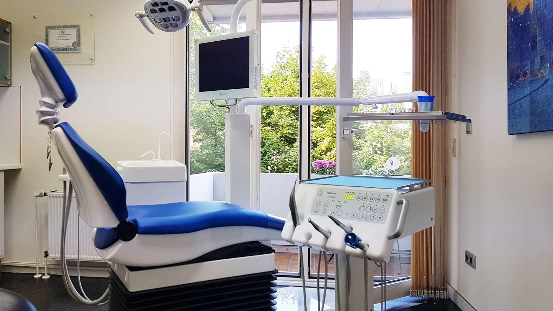 Neue Behandlungsstühle bei uns in der Praxis in Köln!
