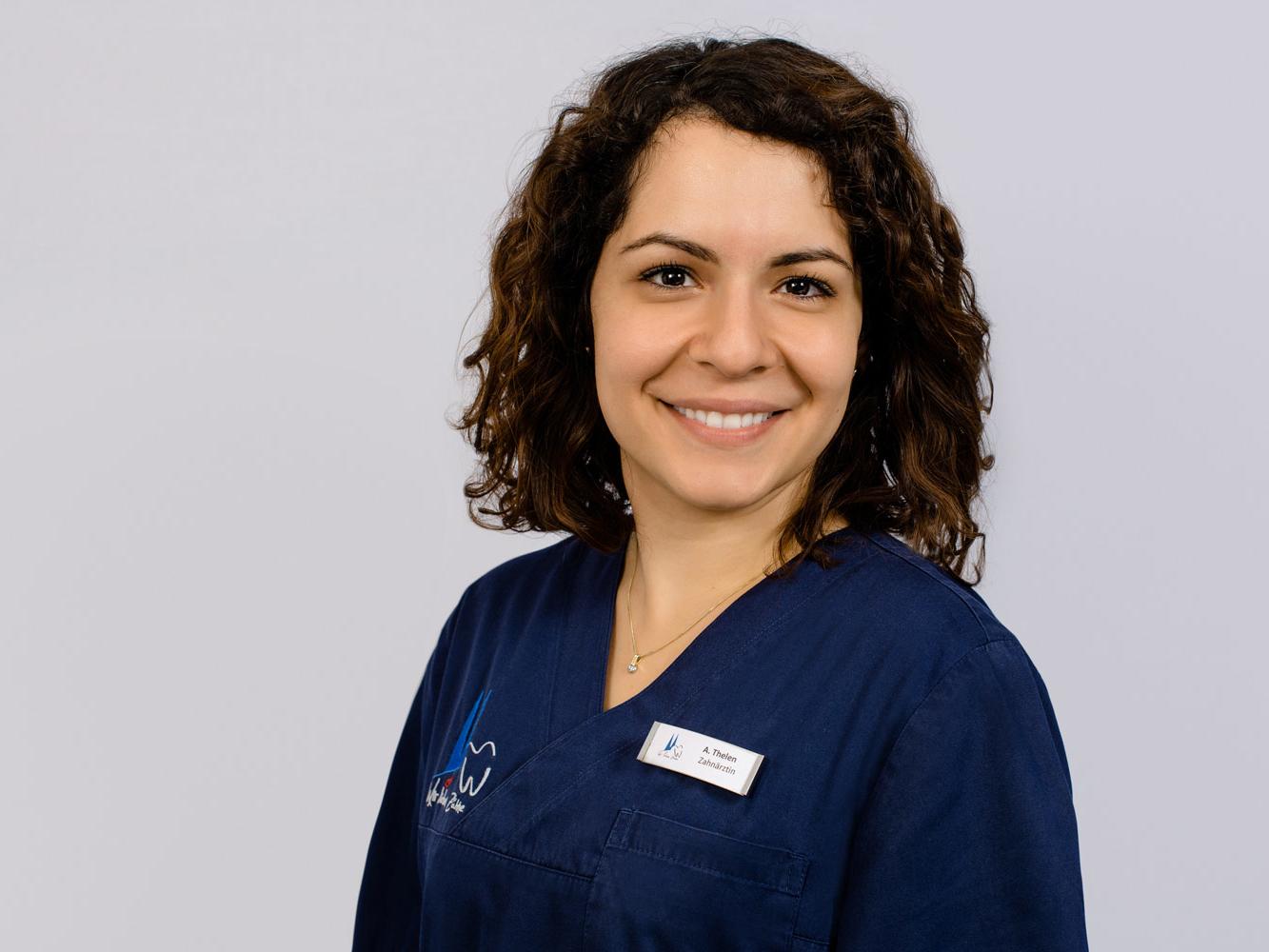 Zahnärztin Frau Anja Thelen bereichert unser Team im Zentrum für Zahnmedizin Neusser Straße.