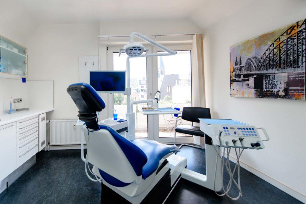 Behandlungsraum vom Zentrum für Zahnmedizin Neusser Straße!