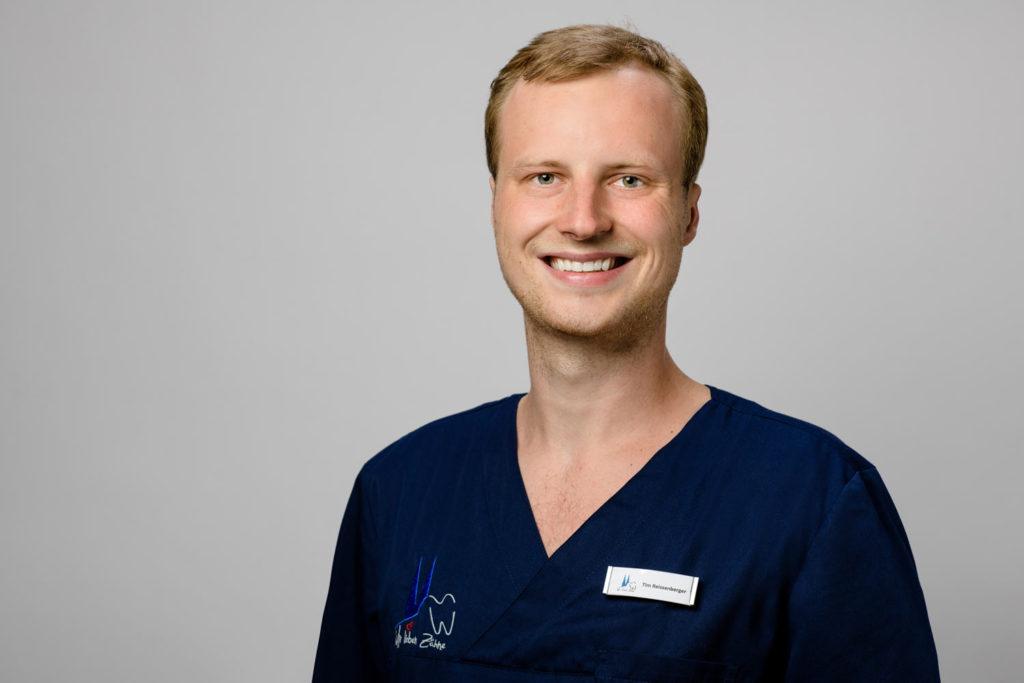 Zahnarzt Tim Reissenberger In Köln!